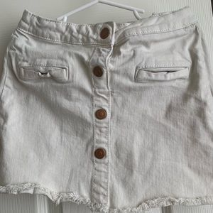 Zara girls off white button down skirt. Size 6